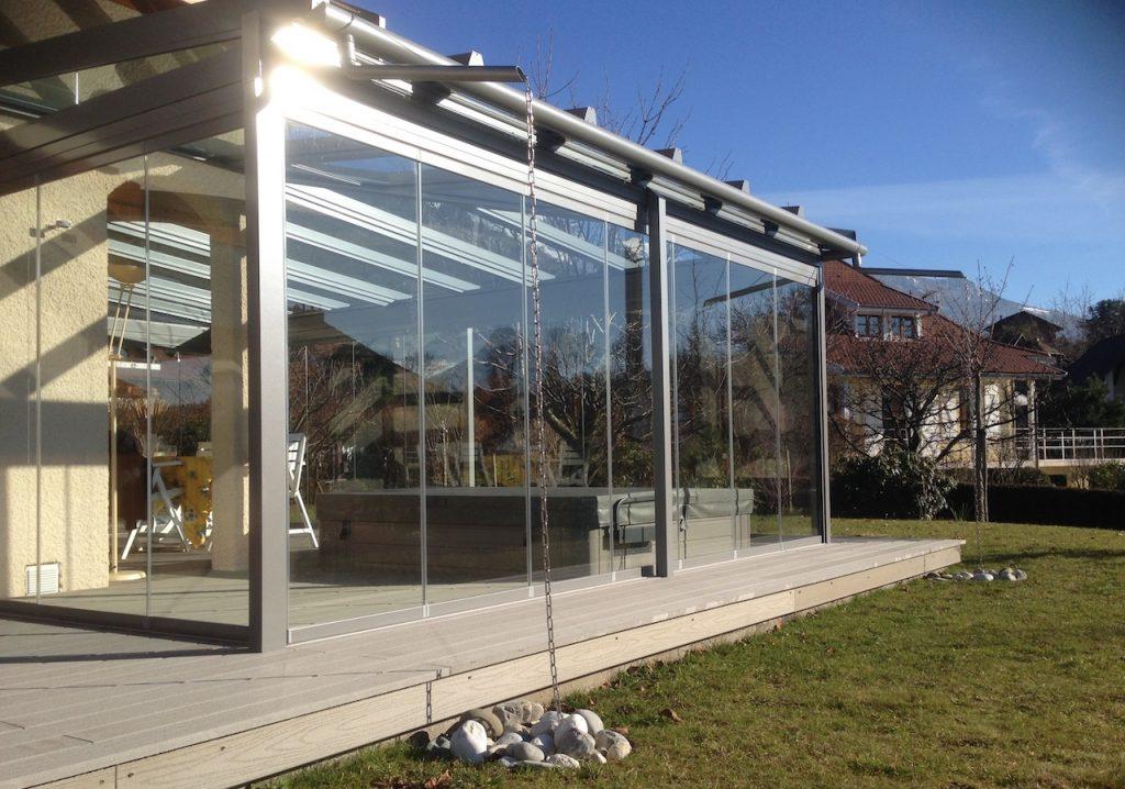 Toiture-bioclimatique- paroies-vitres-gris-anthracite