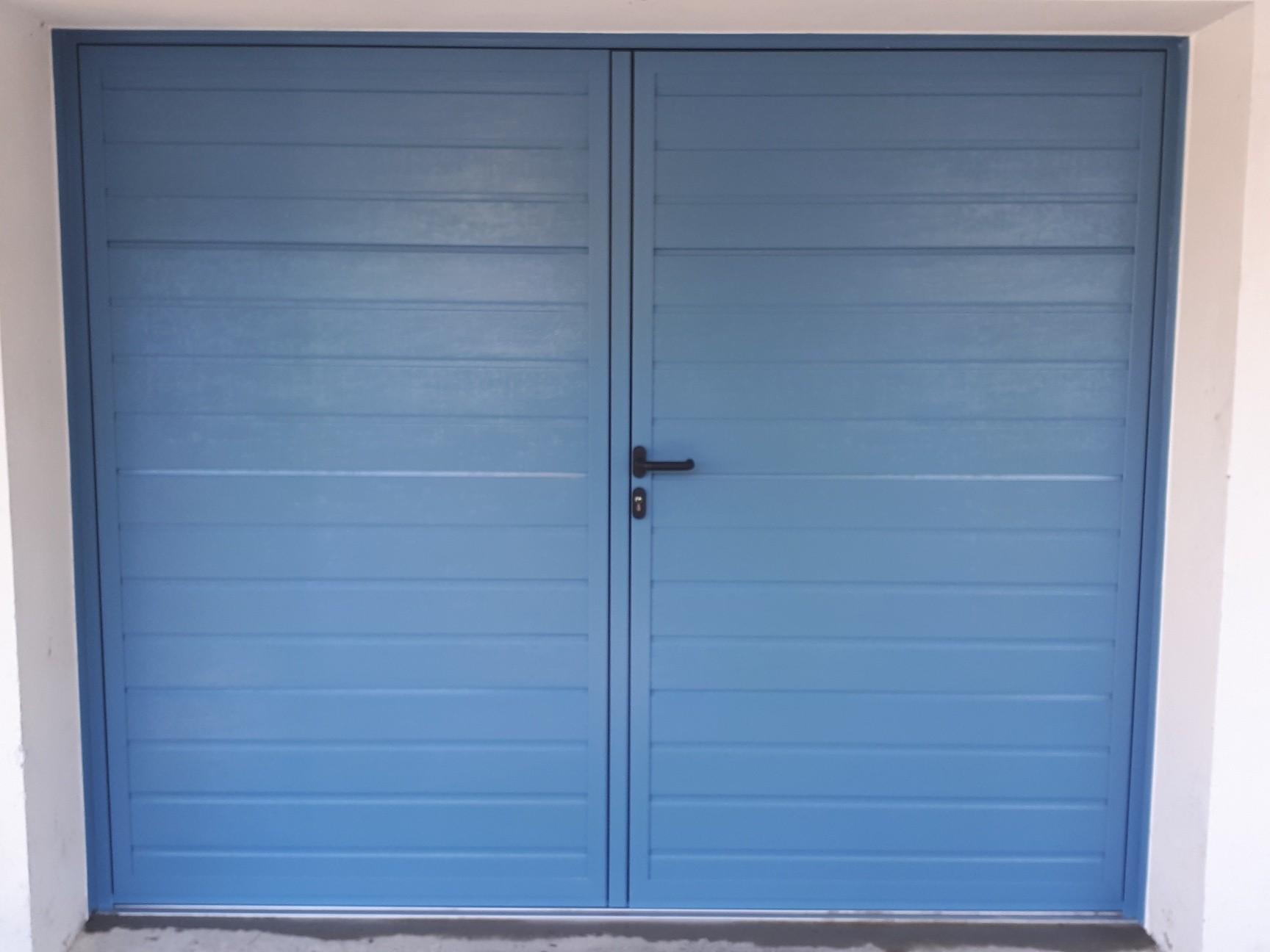 Porte de garage battante isolée 2020